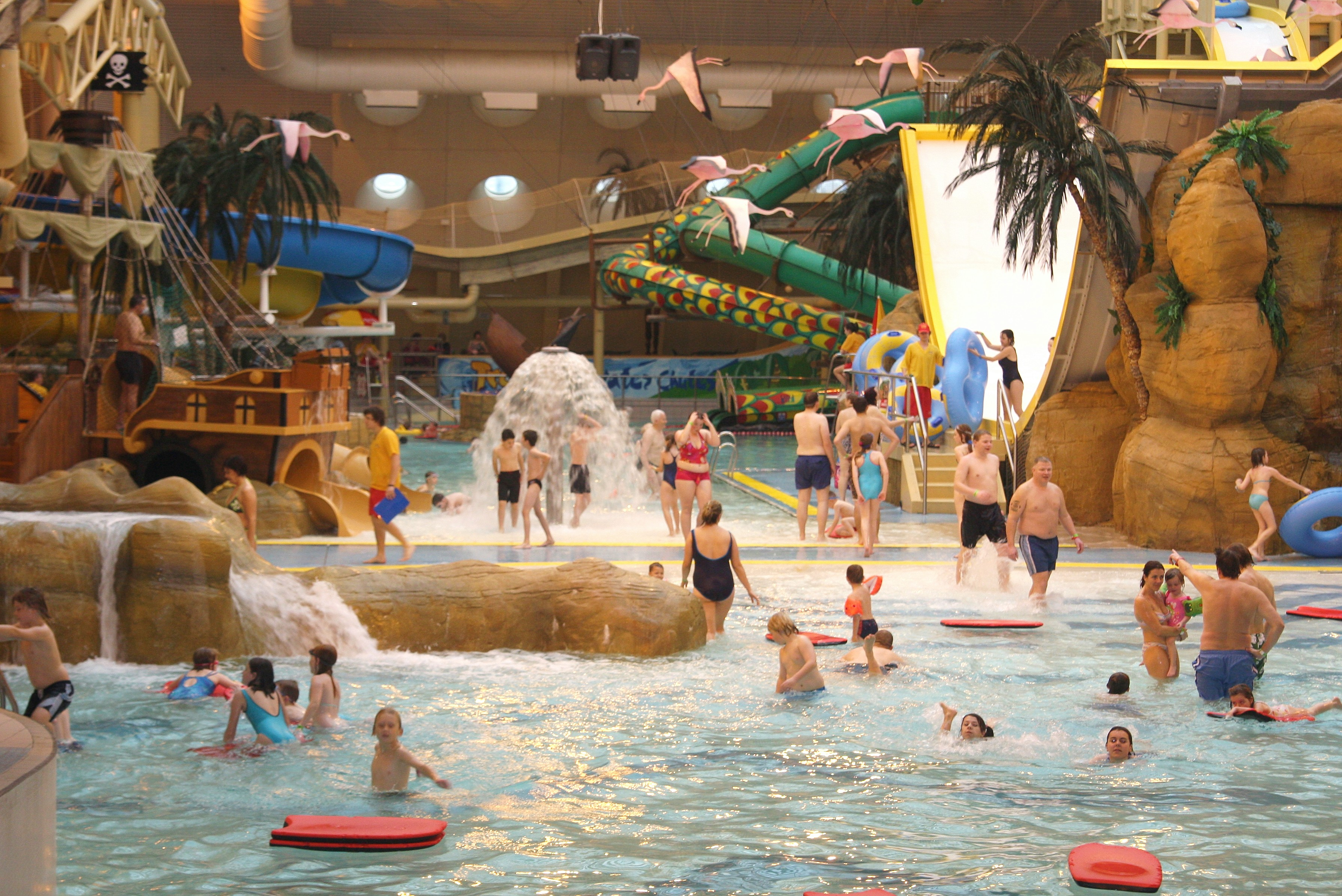 You can visit sandcastle water park in blackpool - Blackpool hotels with swimming pool ...